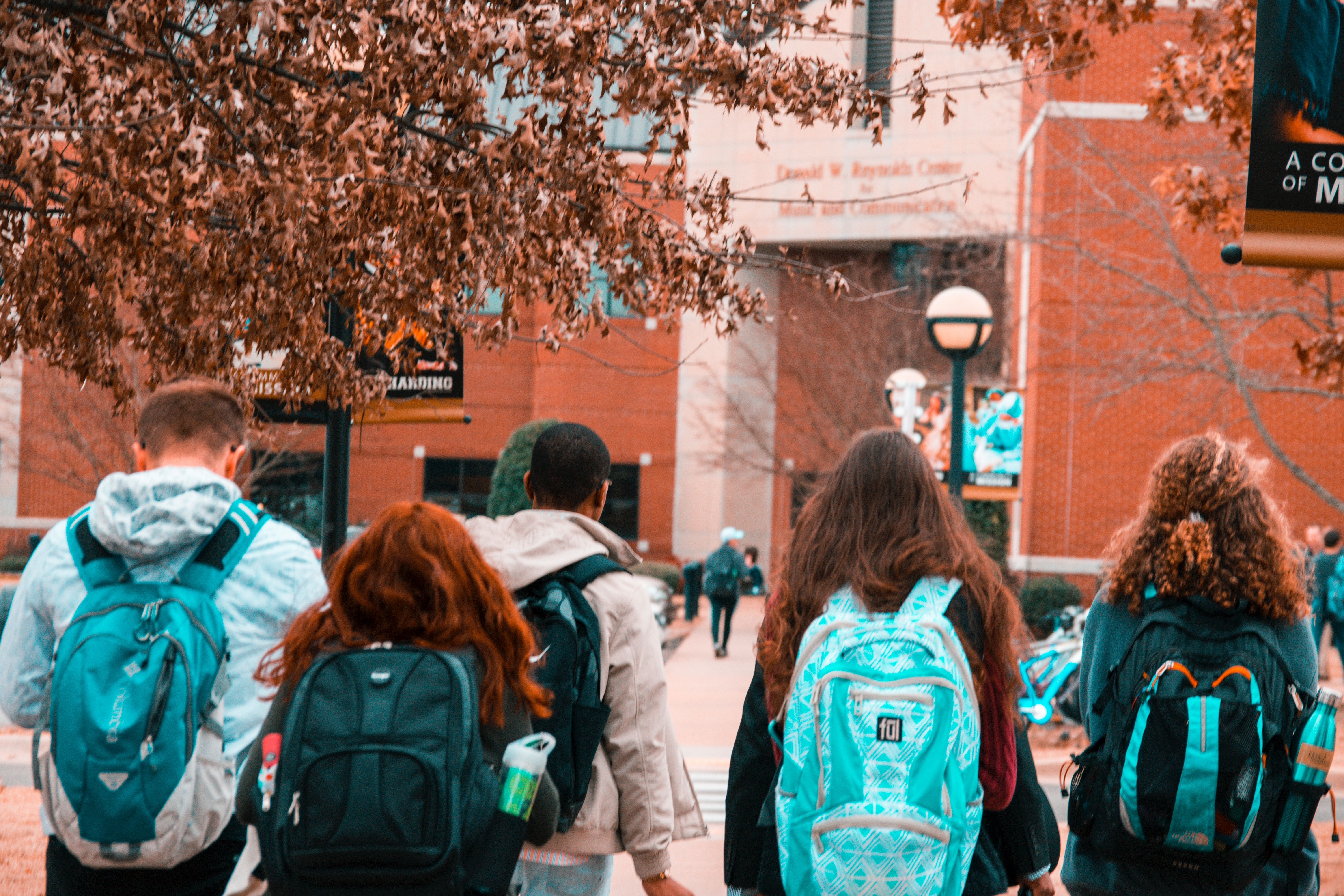 backpacks-college-college-students-1454360